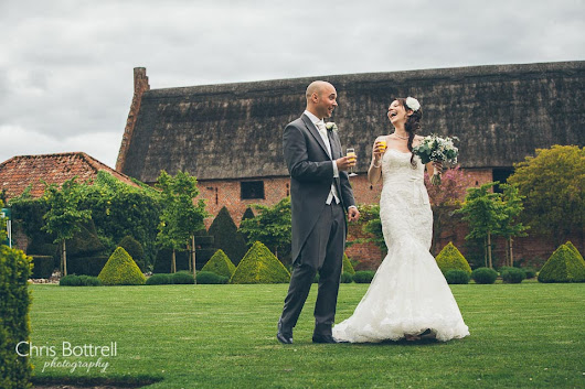 Hales Hall Barn Wedding Photography | Laura and Marc