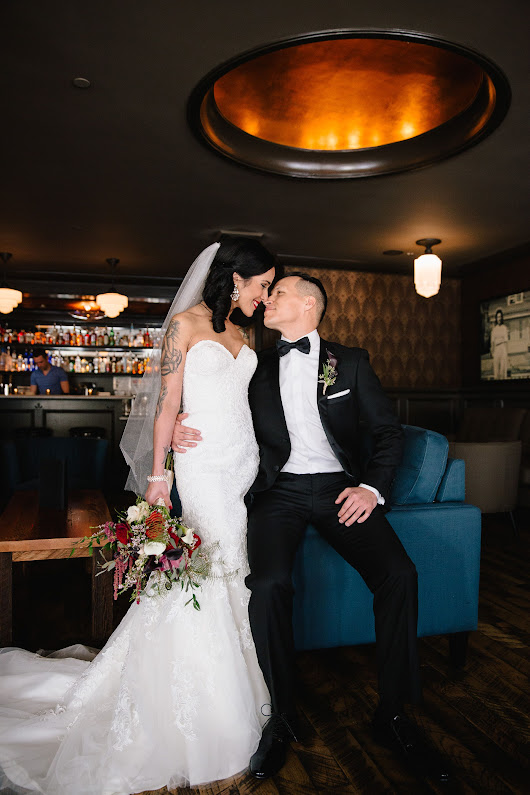 An Old World, Elegant Wedding at Sentinel Hotel in Portland, Oregon