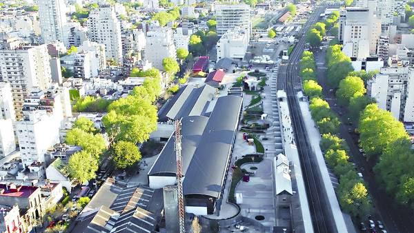 Desde arriba. El shopping terminado visto desde avenida Santa Fe hacia Córdoba. Al fondo, el Ministerio de Ciencia y Tecnología. / SILVANA BOEMO