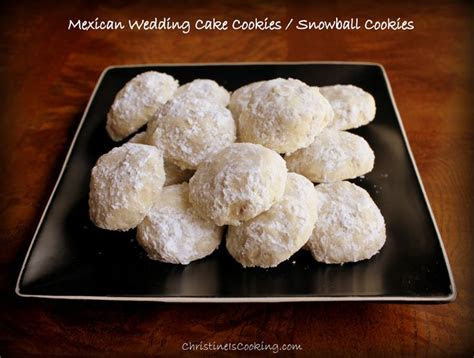 The best recipe for Mexican Wedding Cake / Snowball
