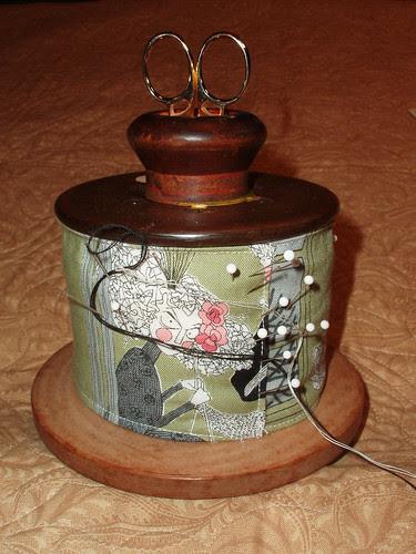 Vintage spool pin cushion