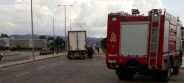 Πάτρα: Νεκρός Αφγανός παρασύρθηκε από νταλίκα -Πήγε να κρυφτεί σε φορτηγό για να πάει Ιταλία [εικόνες]