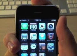 iPhone 4 Antenna Issues May Cause Reception Problems (VIDEO)