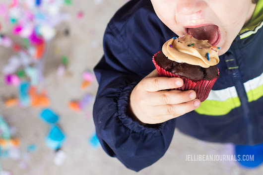 Fluffy 5-Minute Peanut Butter Frosting - Jellibean Journals