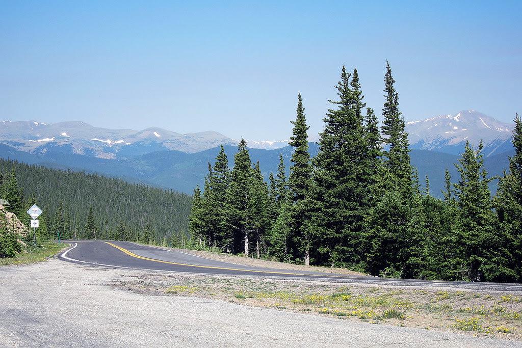 road to mount evans