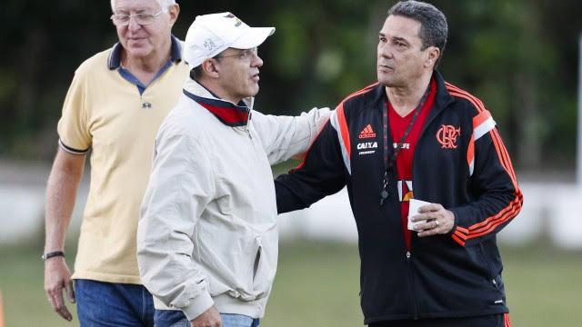 O presidente Eduardo Bandeira de Mello vem sofrendo com dificuldades para obter receitas para o Flamengo
