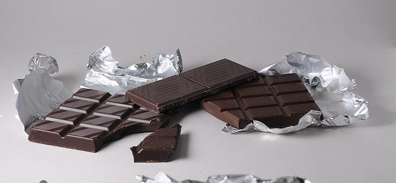 File:Schokolade-schwarz.jpg