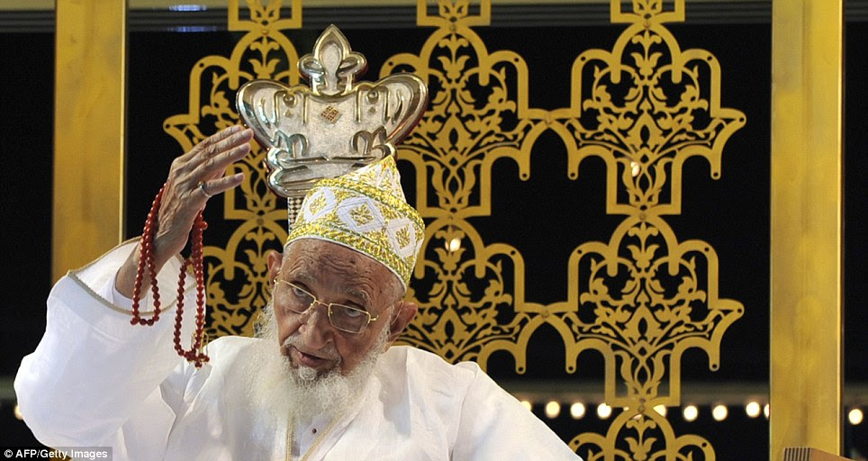 Syedna Mohammed Burhanuddin gestures as he speaks to community members on his 99th Birthday in Mumbai