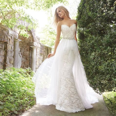 Two Gowns in One! 26 Fashion Forward Convertible Wedding