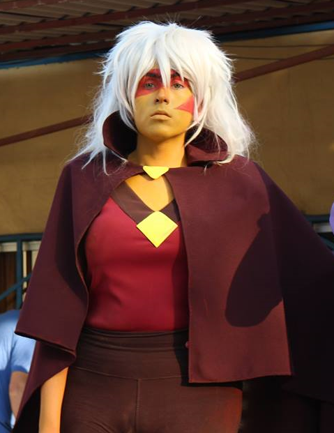 MY BEST FRIEND COSPLAYING JASPER, HE WON THE COSPLAY COMPETITION AND IM SO PROUD . SOON I'LL BE HIS PERIDOT (he hadproblems with the nose gem ;_; but he'll fix it) @rebeccasugar...
