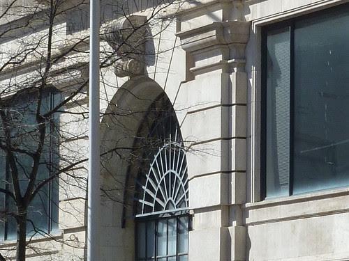 P1000793-2012-02-07-Richs-Broad-Alabama-SE-Facade-Entrance-Arch-Detail