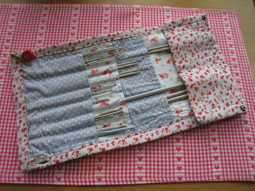 Knitting needle & crochet hook roll