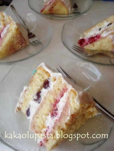 berry suprise cake_2