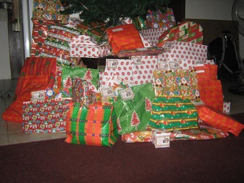 Donating Instead Of Giving Gifts This Christmas