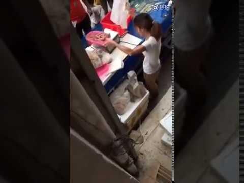 Vendedora china engaña a sus clientes