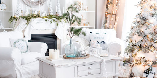 27 Easy Christmas Home Decor Ideas - Small Space Apartment Decoration For Holidays