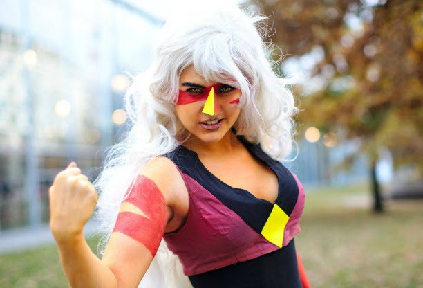 Eyyy! I got a new batch of pictures of my Jasper cosplay! ;D Thank you greencat for taking them!