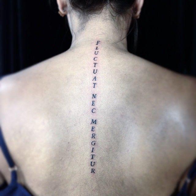 Frases Bíblicas Para Tatuagem Na Costela