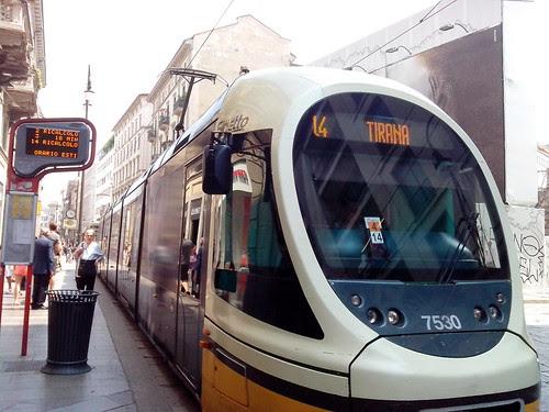 Tram per piazza Tirana by Ylbert Durishti