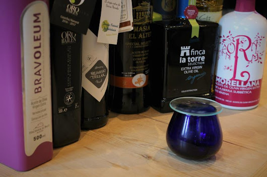 Tasting Extra Virgin olive Oils from Spain
