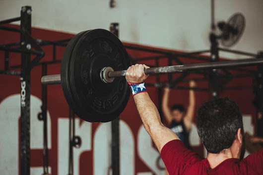 Why Weight Lifting for Weight Loss is No Joke for Super Fast Results