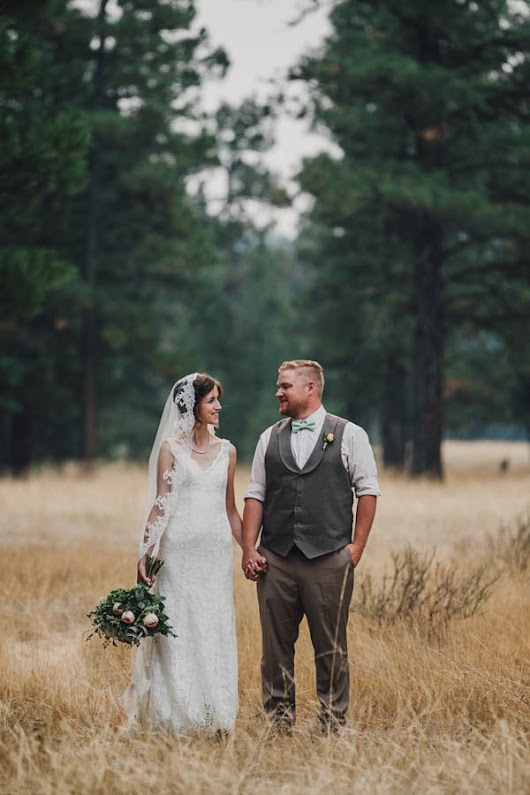 Sentimental Cranbrook Wedding in the Mountains | Junebug Weddings