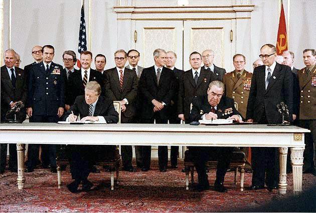http://upload.wikimedia.org/wikipedia/commons/d/d6/Carter_Brezhnev_sign_SALT_II.jpg