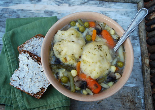 Vegetable Leek Soup with dumplings bread CU