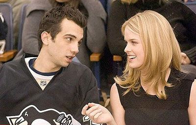 Kirk (Jay Baruchel) and Molly (Alice Eve) discuss hockey in SHE'S OUT OF MY LEAGUE.