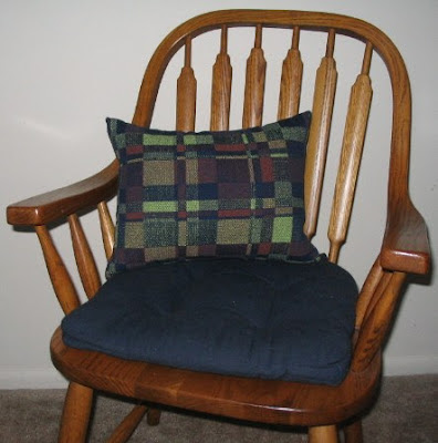 Cushion cover from handwoven summer & winter fabric.