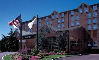 Valet Driver Crashes SUV Into The Newport Marriott - The Newport Blast