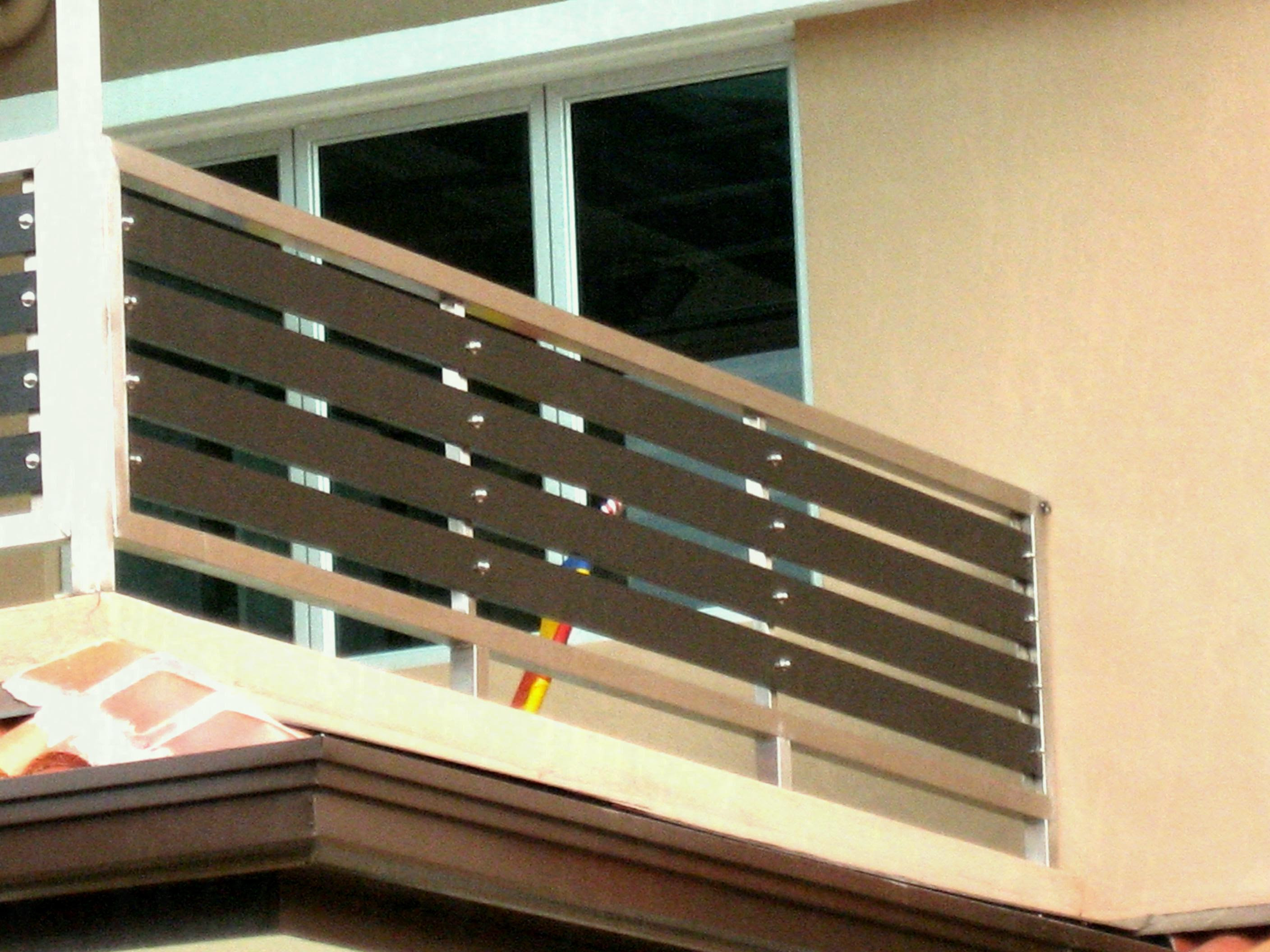 Home Grill Design For Balcony