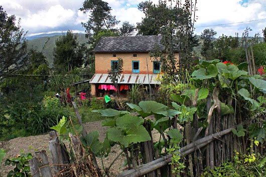 PHOTO: Gurung house, Nagarkot trek, Nepal