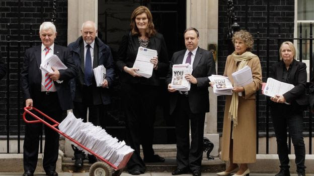 Nikki Sinclaire outside no 10 with petition