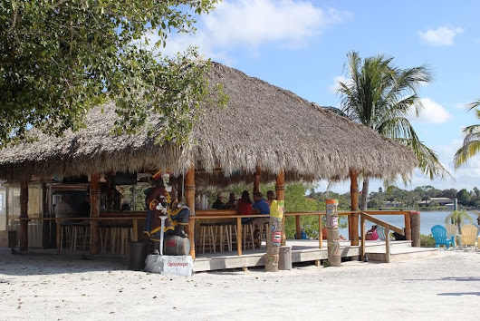 Laidback Casey Key Fish House  | Must Do Visitor Guides
