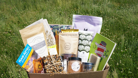 Earthlove: A Seasonal Box for Nature Lovers