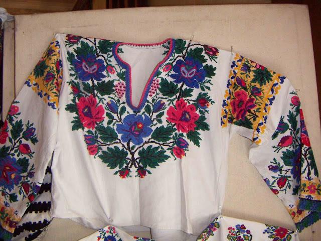 Borshchiv embroidery, West Ukraine