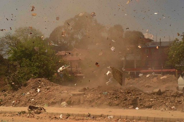 Dust Storm, Mini Tornado