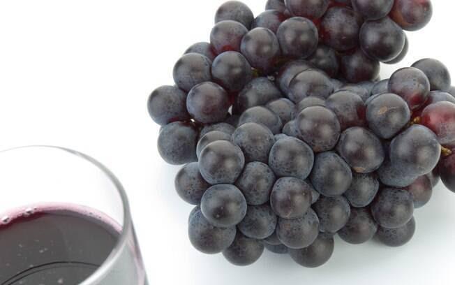 "Uva e suco de uva: aqui o dono do ""milagre"" se chama resveratrol, presente tanto na fruta quanto no suco integral dela. Foto: Getty Images"