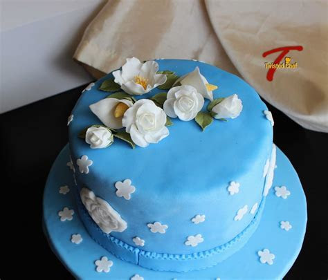 Wilton Cake Decorating Course 3: Gum Paste and Fondant