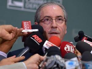 O presidente da Câmara, Eduardo Cunha, questiona a isenção do deputado Fausto Pinato (PRB-SP) para relatar processo de cassação no Conselho de Ética (Foto: Wilson Dias / Agência Brasil)