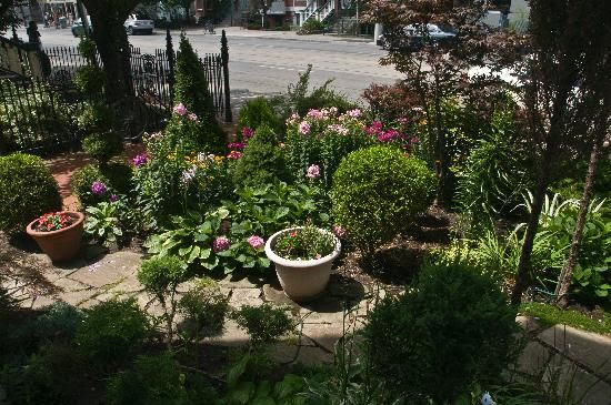 Small townhouse backyard landscaping ideas