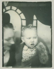 Baby and mother in Photobooth
