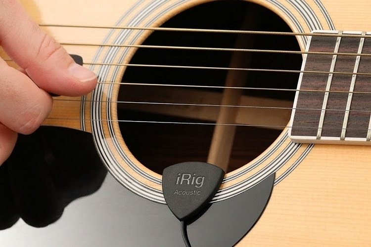 Acoustic guitar: Record it with iRig.