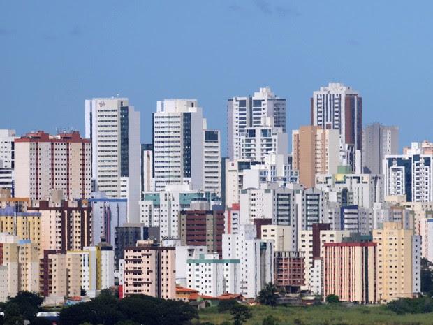 Prédios em Águas Claras (Foto: Pedro Ventura/Agência Brasília)