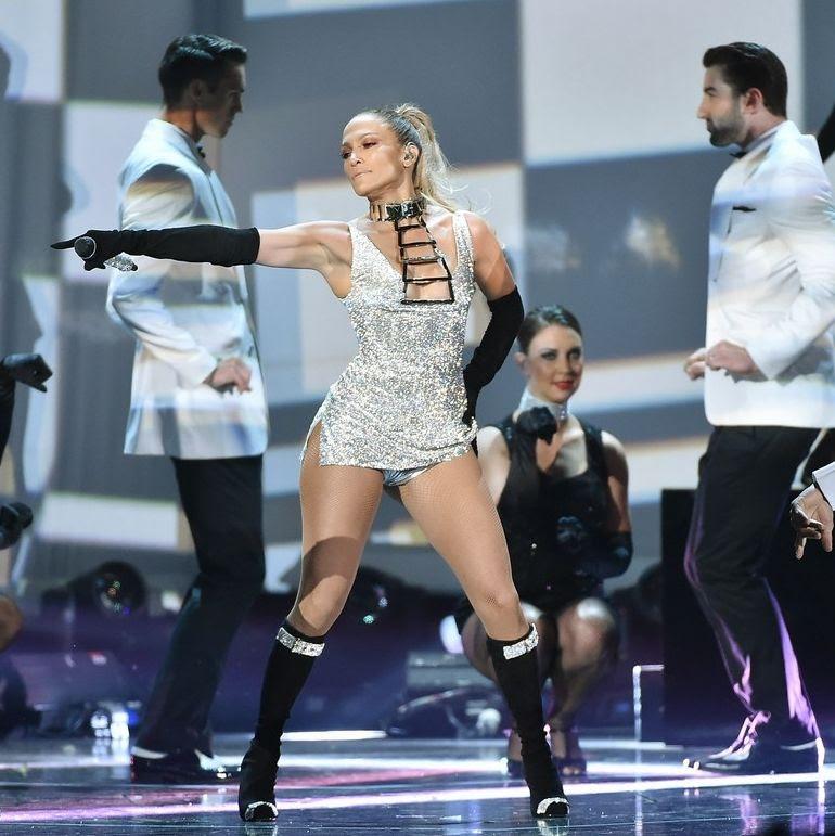 Jennifer Lopez : Fashion Rocks 2014 photo jennifer-lopez-shows-off-big-booty-at-fashion-rocks-07.jpg
