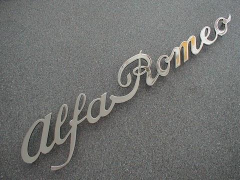 Alfa Romeo Script Font