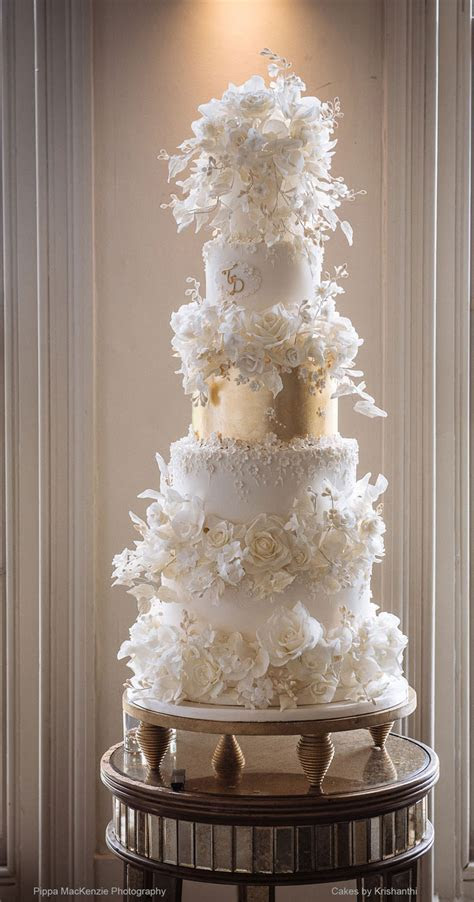 wedding cakes lookbook. London. Surrey. Cakes by Krishanthi