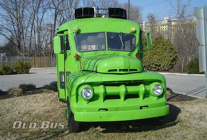 1951-wayne-ford-dinky-bus-front