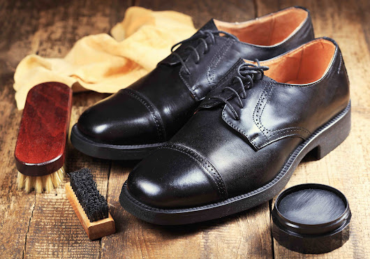 Get a Leather Craft Education: The Shoe Surgeon School